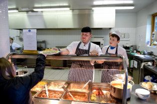 Catering students on lunch service